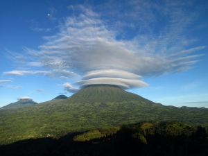 Volcanoes_National_Park_thumb